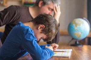 5 причин игнорирования родителями школьной жизни ребёнка