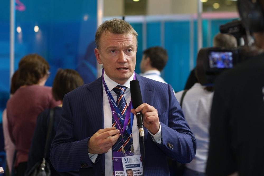 Эксперты обсудили «регуляторную гильотину» в образовании в рамках Московского международного салона образования